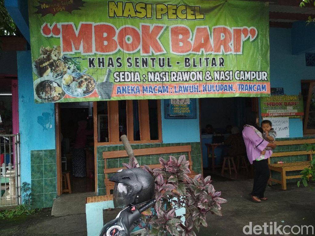 Pecel Mbok Bari, Kuliner Legendaris di Blitar