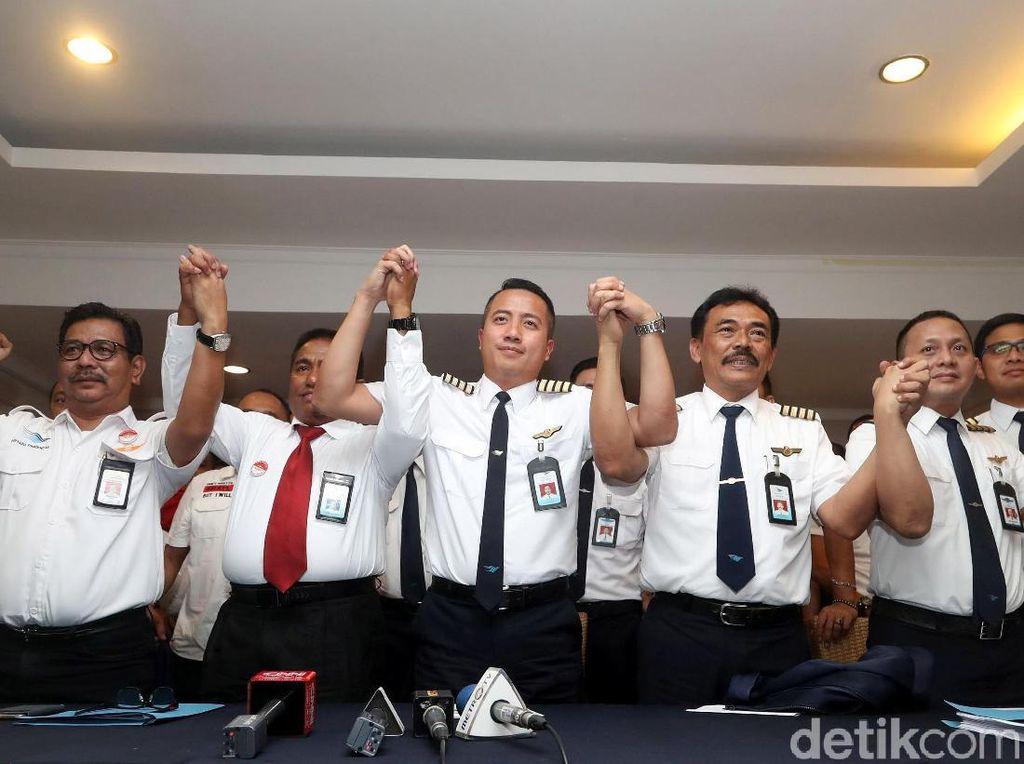 Pilot Garuda Teken Pernyataan Tidak Mogok Kerja saat Mudik