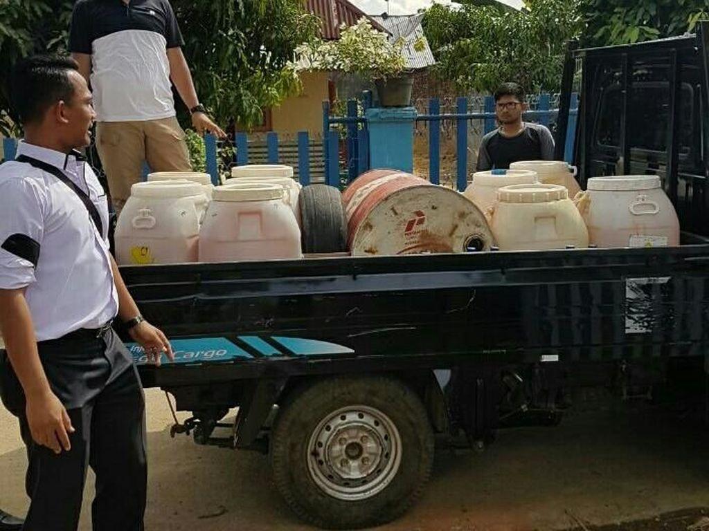 Ratusan Liter BBM Oplosan di Lhokseumawe Diamankan