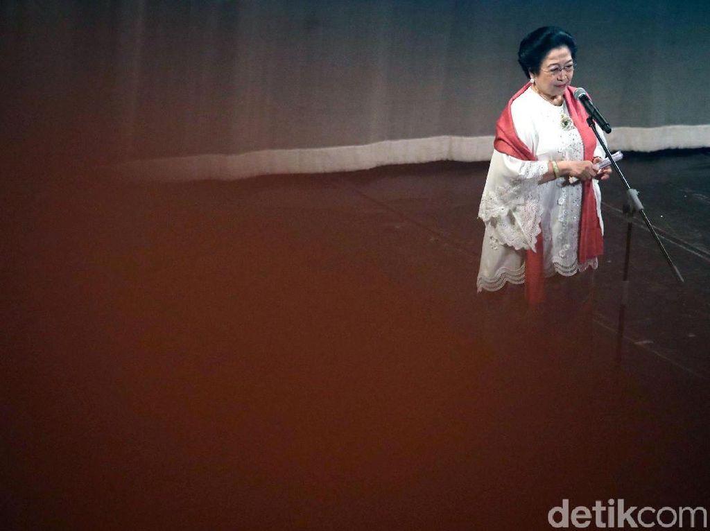 Jokowi Hadiri HUT ke-71 Megawati di TIM