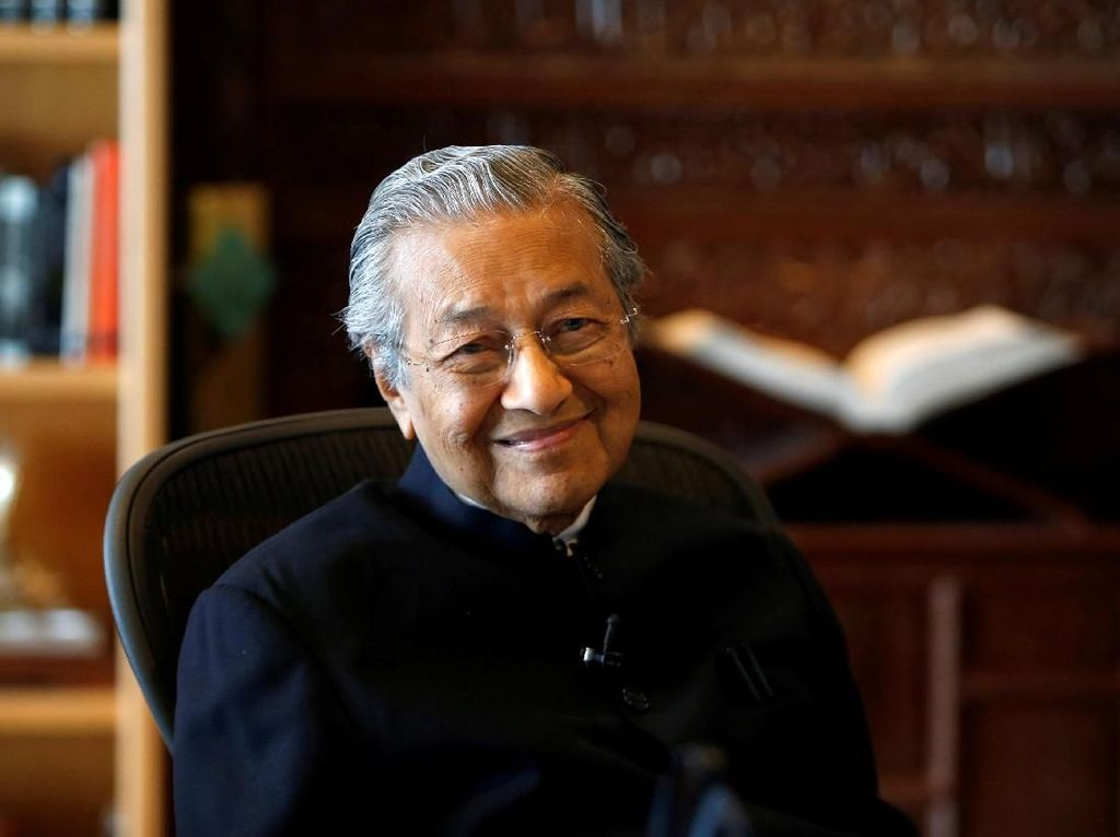 Ajukan Mundur, Berapa Gaji Mahathir Sebagai PM Malaysia?