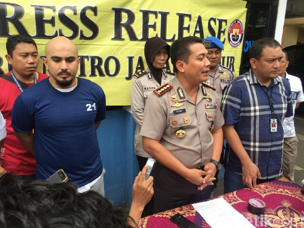 Pemobil yang Menolak Ditilang dan Seret Polisi Positif Narkoba