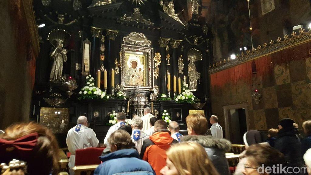 Foto: Biara Pengabul Doa di Eropa