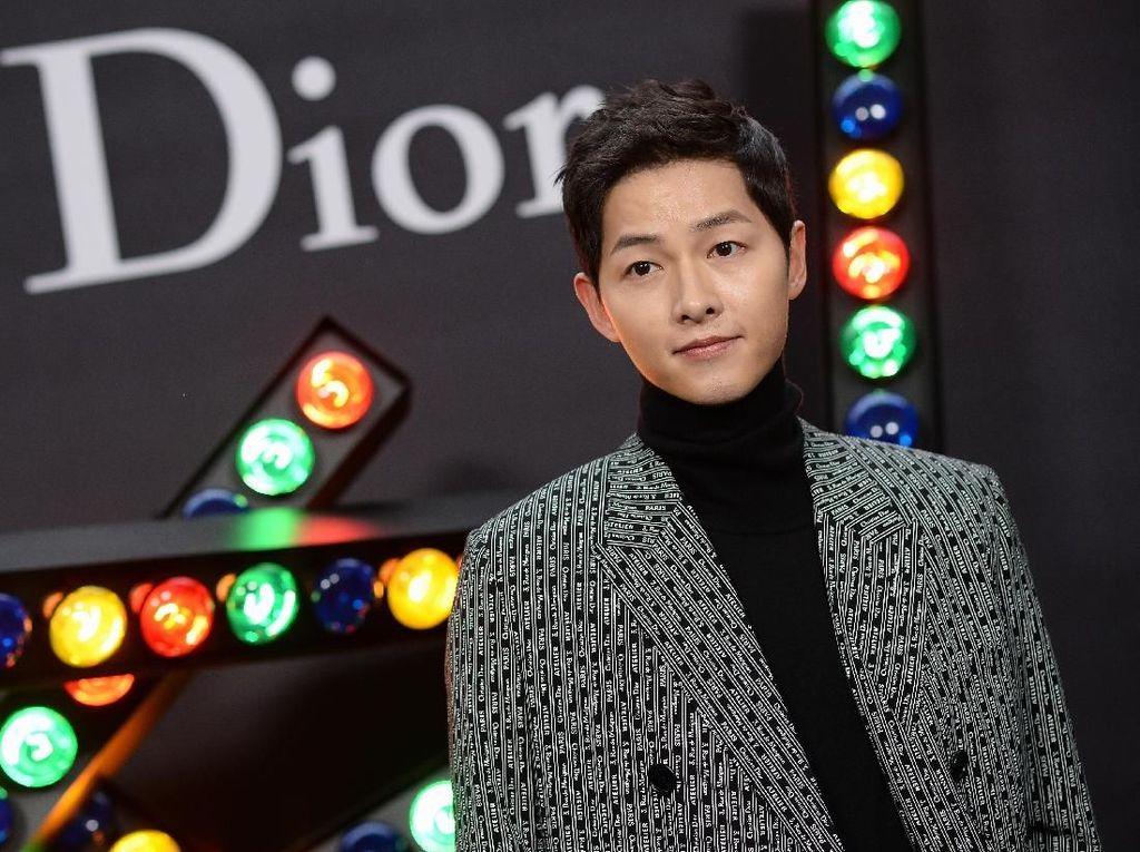 Song Joong Ki Kepergok Nonton Musikal usai Gugat Cerai Song Hye Kyo