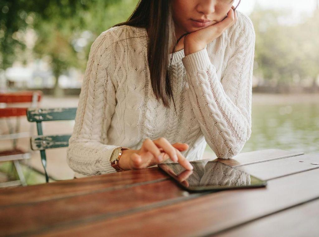 Wanita Harus Melek Teknologi, Tapi Jangan Kebablasan!
