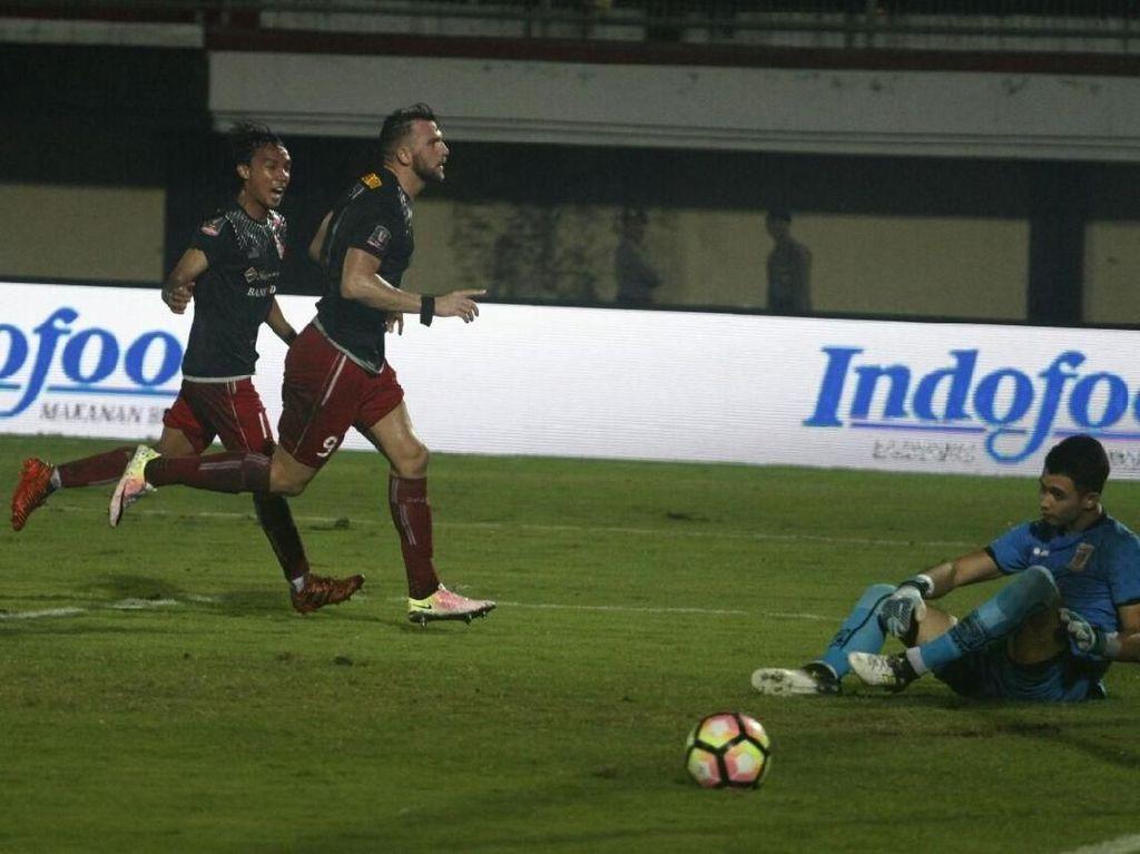 Dua Gol Simic Antar Persija Kalahkan Borneo FC