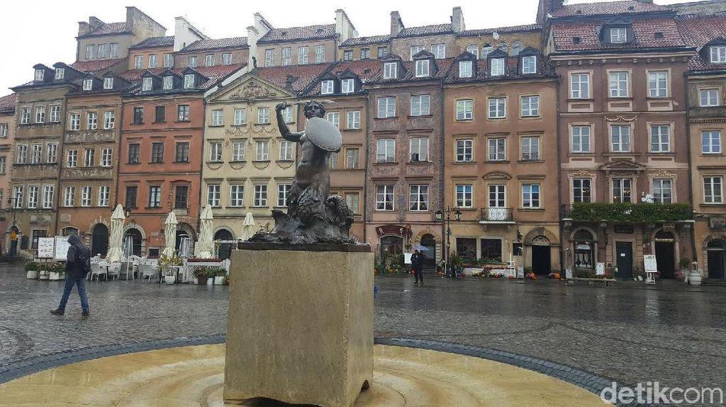 Foto: Kota Tua Warsawa & Kisah Putri Duyung