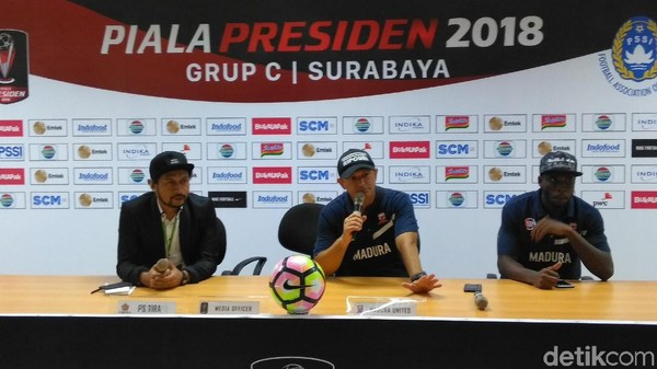 Apresiasi Pelatih untuk Pemain-Pemain Senior Madura United