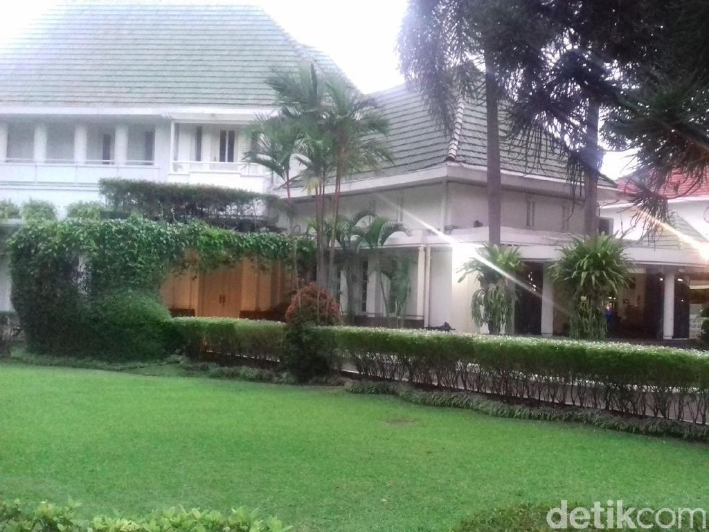 Renovasi Rumah Dinas Anies, Tim Pemugaran: Atap Tak Perlu Kayu Jati