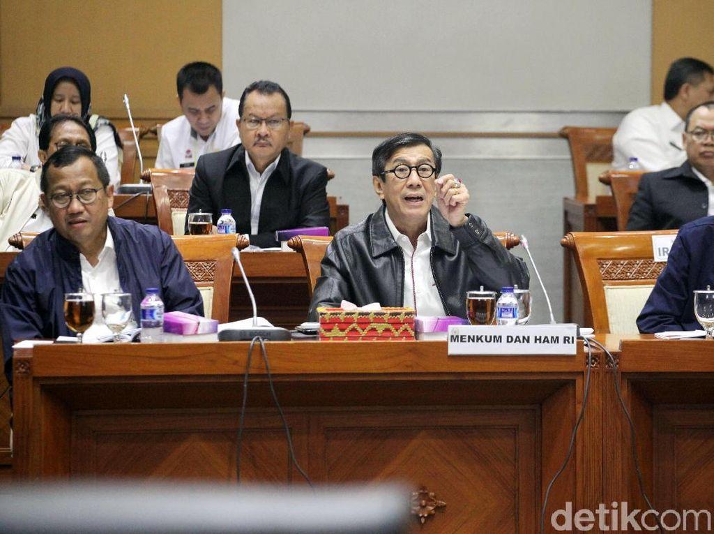 Komisi III dan Menkumham Sepakat Kebijakan Bebas Visa Dievaluasi