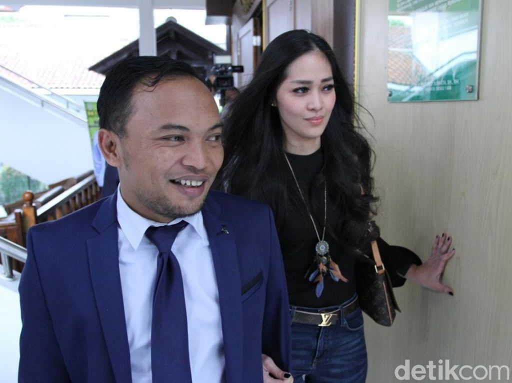Pihak David Bantah Adanya Perselisihan di Pernikahan dengan Gracia Indri