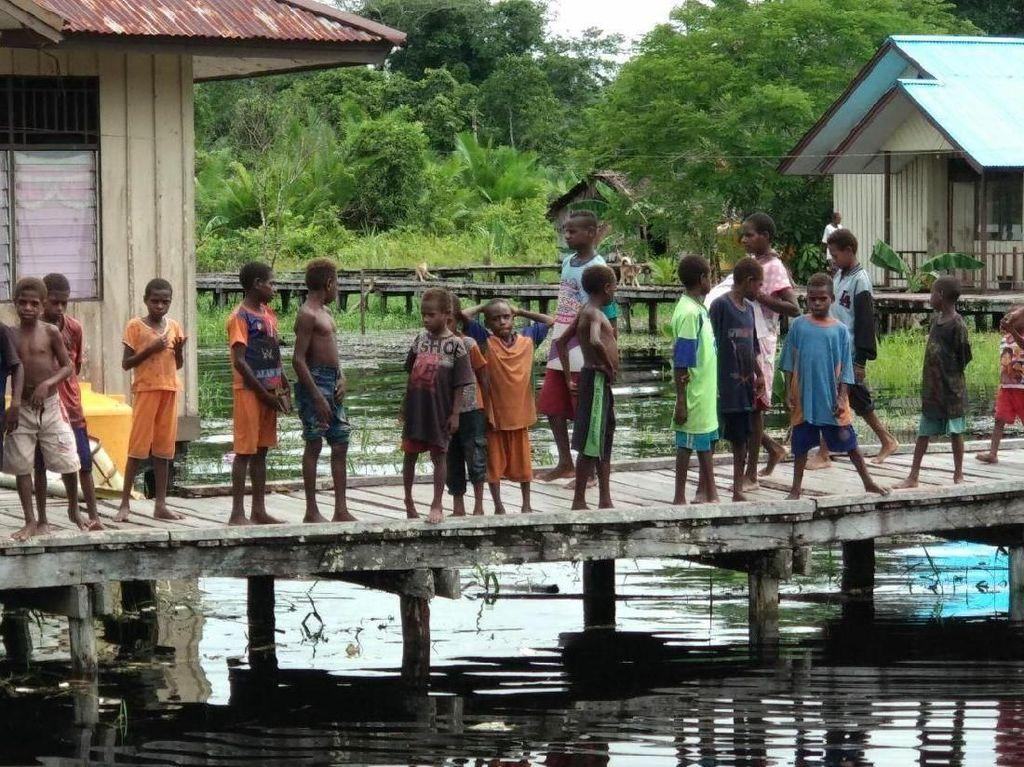 Kemendagri: Dana Otsus Papua Bisa Dipakai untuk Mengolah Air Bersih