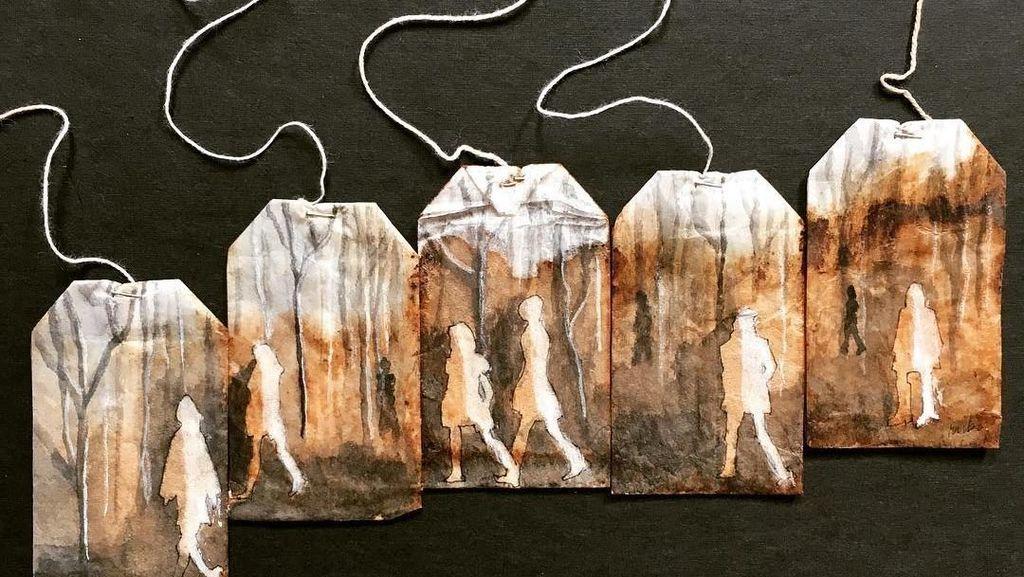 Keren! 10 Lukisan Cantik Ini Dibuat di Atas Kantung Teh Bekas