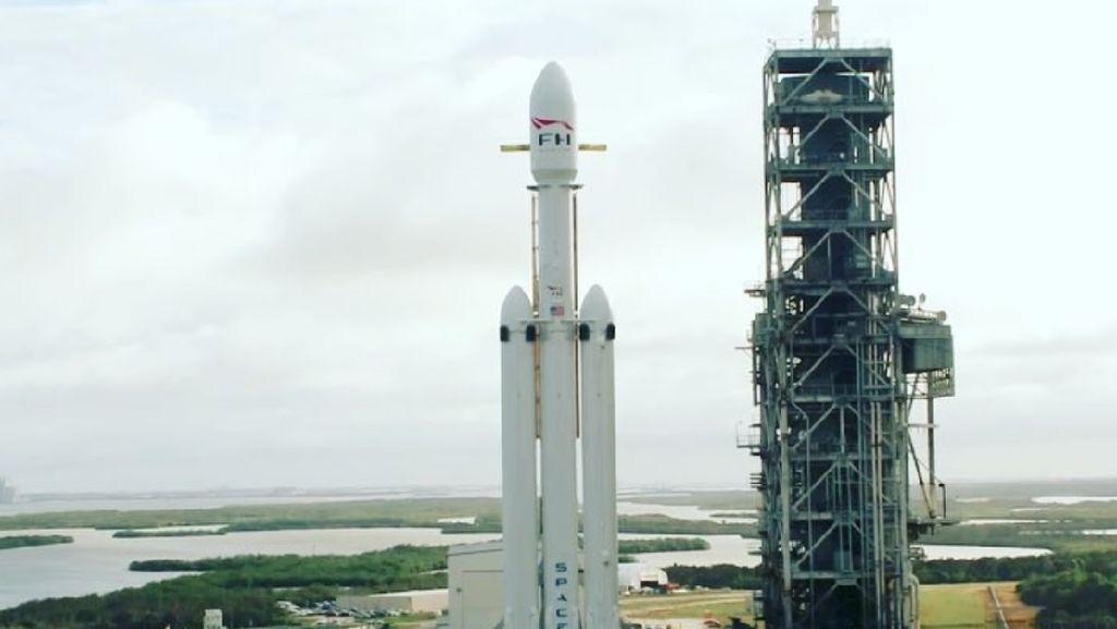 Melihat Kehebatan Roket Terkuat di Dunia