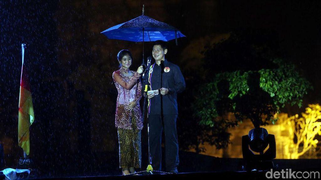 Berlatar Prambanan Saat Gerimis, Tour de Indonesia Resmi Digulirkan