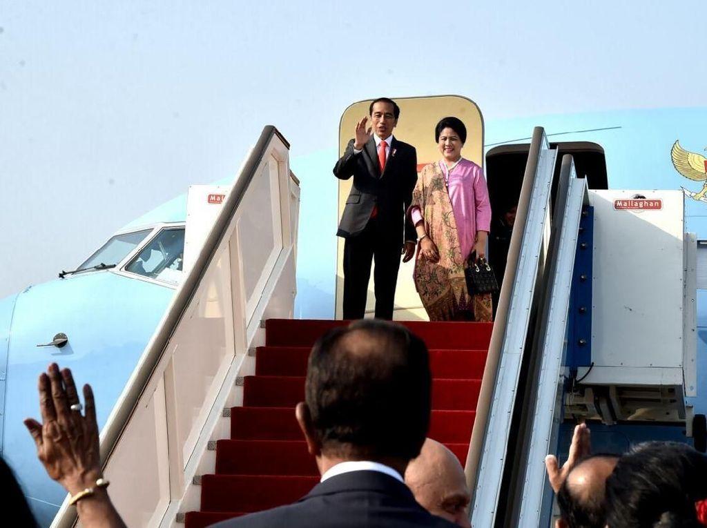 Malam-malam, Jokowi Lakukan Pertemuan Bilateral dengan Modi