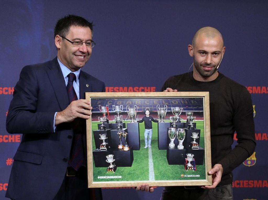 Barcelona Tunggu Mascherano Pulang Jadi Pelatih