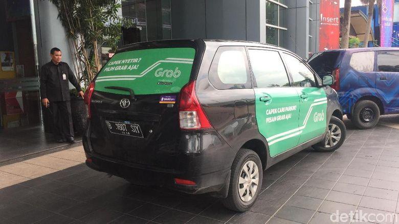 Driver Online: Daripada Ganti Plat Kuning Mendingan Tempel Stiker
