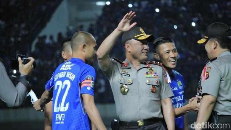 Kapolda Jabar Turun Langsung Amankan Persib vs PSM