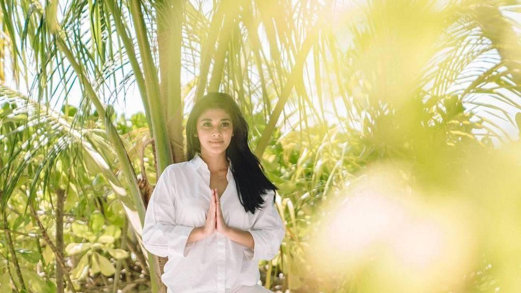 Foto: Yoga dan Tinju, Rahasia Cantik Awet Muda Naysilla Mirdad