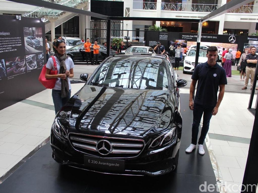 Kelebihan Mercedes-Benz New E 200 Rakitan Indonesia