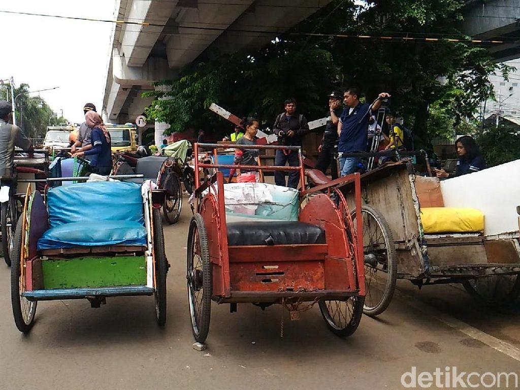 Antisipasi Becak Luar Jakarta Masuk, Satpol PP Minta Jaga Perbatasan