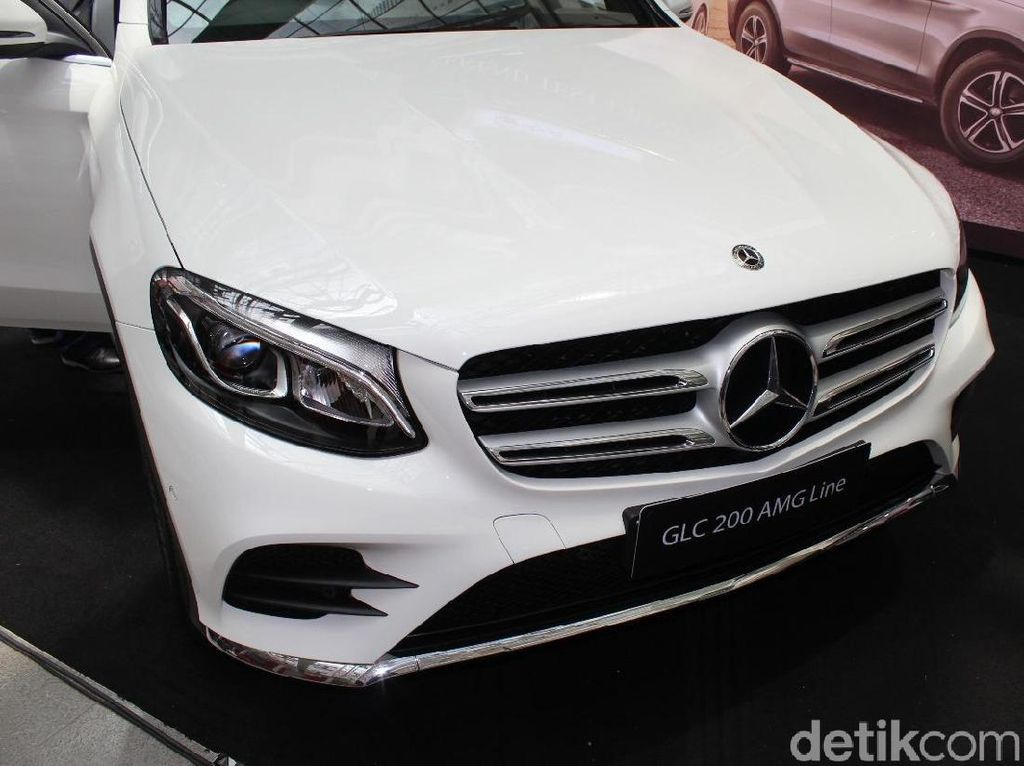 Mengintip Performa SUV Mercy Rakitan Bogor