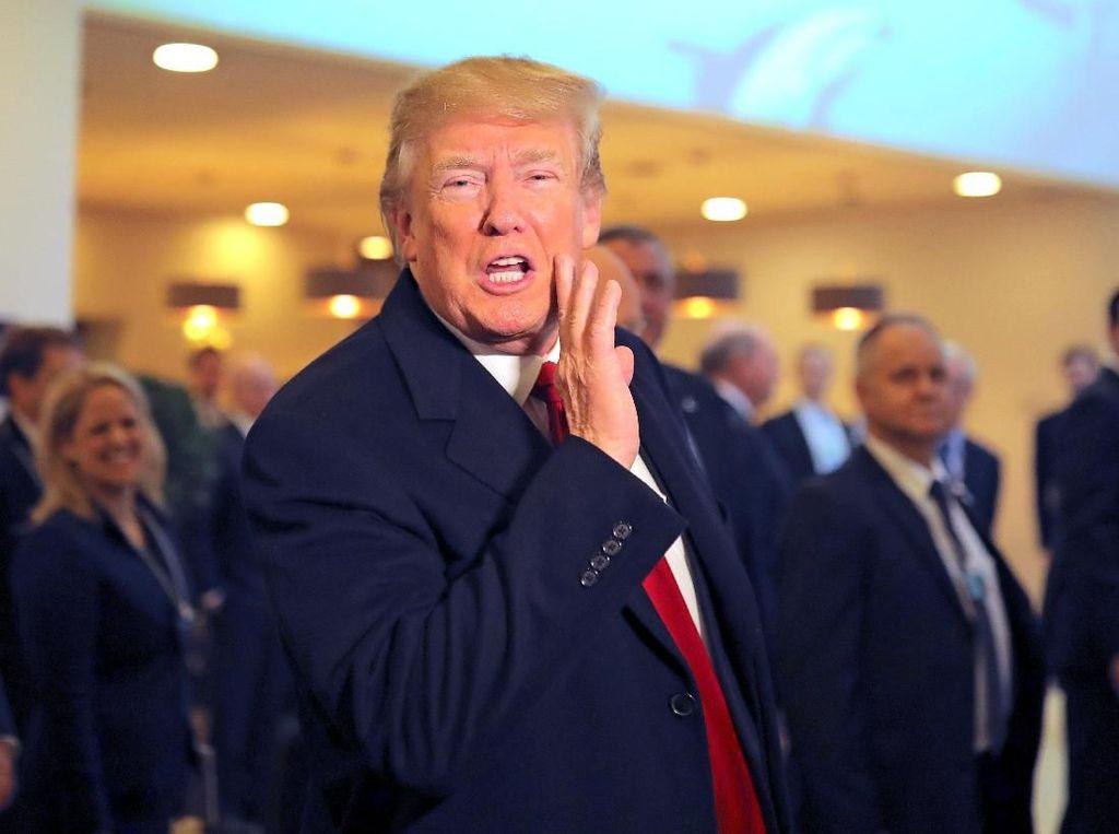 Donald Trump yang Tak Lagi Remehkan Corona
