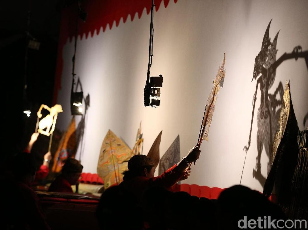 Jokowi Wayangan Kresno Jumeneng Ratu, Apa Pesannya?