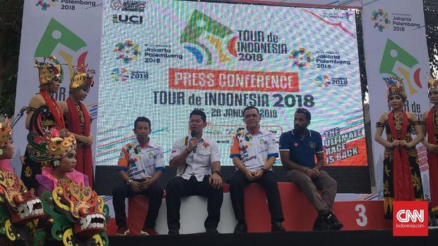 Charlampos Kastrantas menjuarai etape ketiga Tour de Indonesia 2018. (