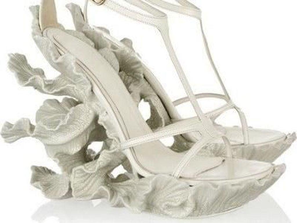 Foto: 13 Sepatu Pernikahan Nyeleneh untuk Pengantin Anti Mainstream