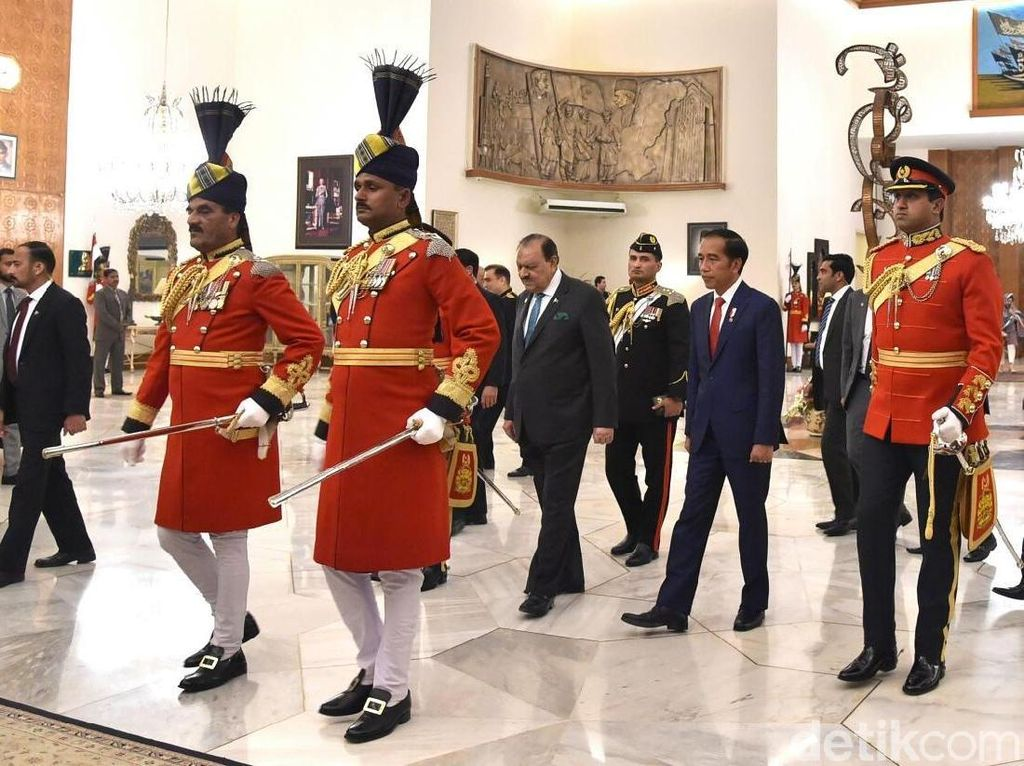 Bergandengan, Hangatnya Pertemuan Iriana dengan Ibu Negara Pakistan