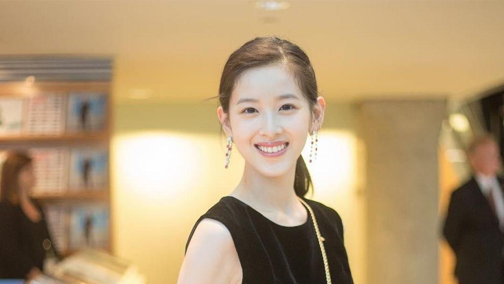 Foto: Cantiknya Miliuner Termuda di China
