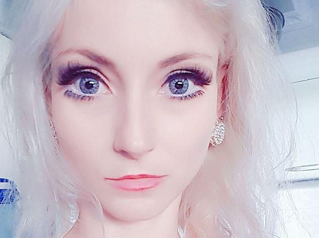Foto: Ini Wanita Mirip Barbie yang Cantik Tanpa Operasi Plastik