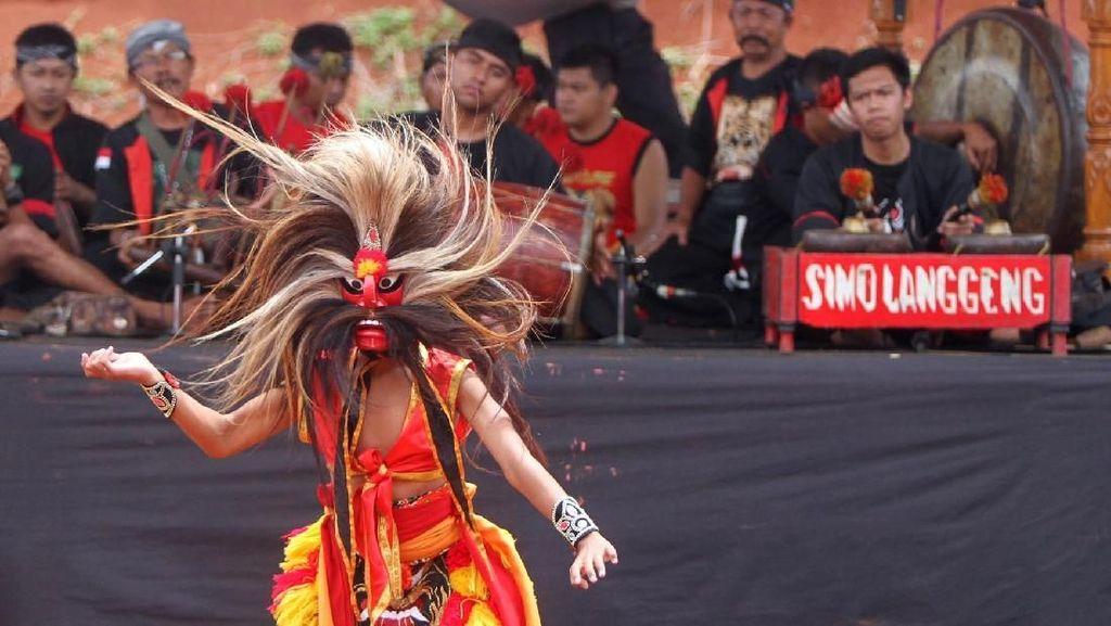 Perayaan HUT PDI Perjuangan Padukan Budaya Lokal