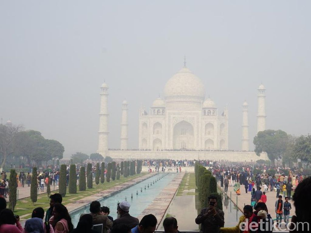 Foto: Bentuk Nyata Cinta dan Keberagaman Agama di Taj Mahal