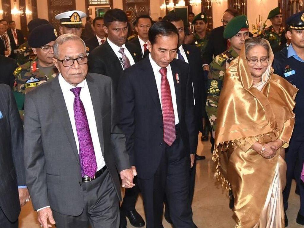 Jokowi-Iriana Dijamu Makan Malam dan Goyangan Bangladesh