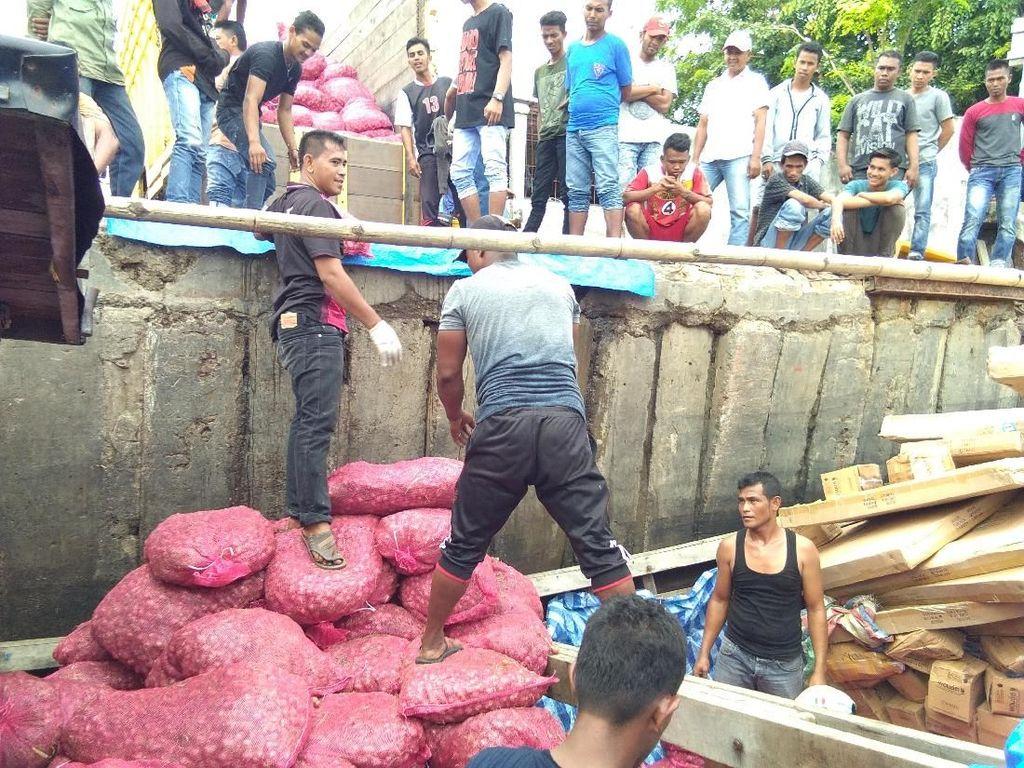 Sebelum Ditangkap, Kapal Angkut Bawang Ilegal Sempat Disembunyikan