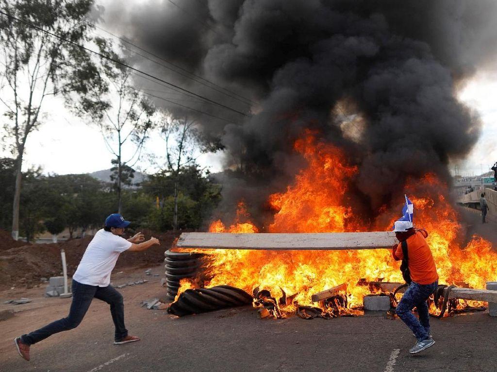Foto: Honduras yang Terus Memanas