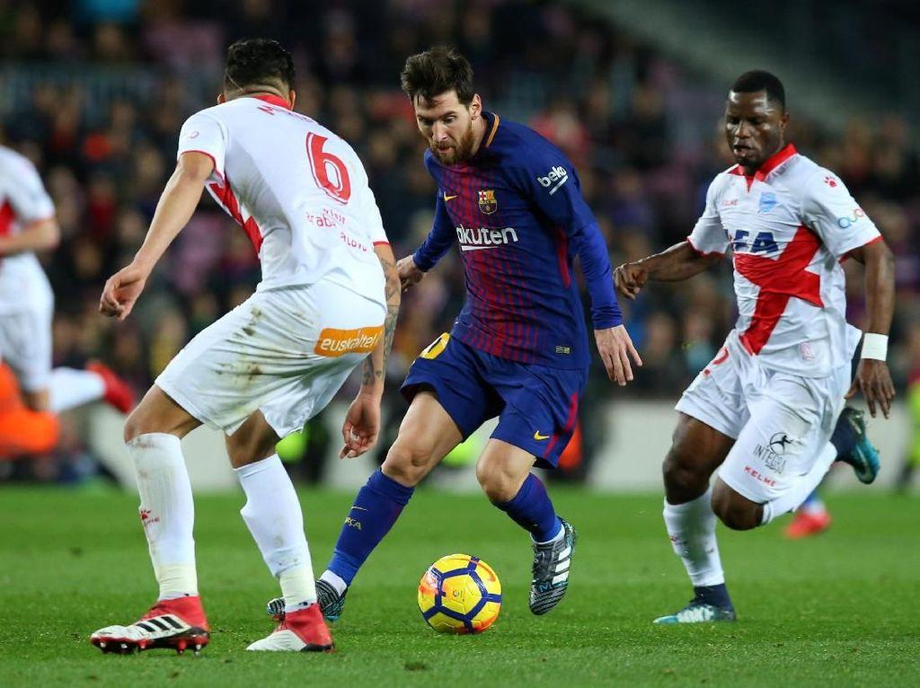 Suarez-Messi Menangkan Barca atas Alaves