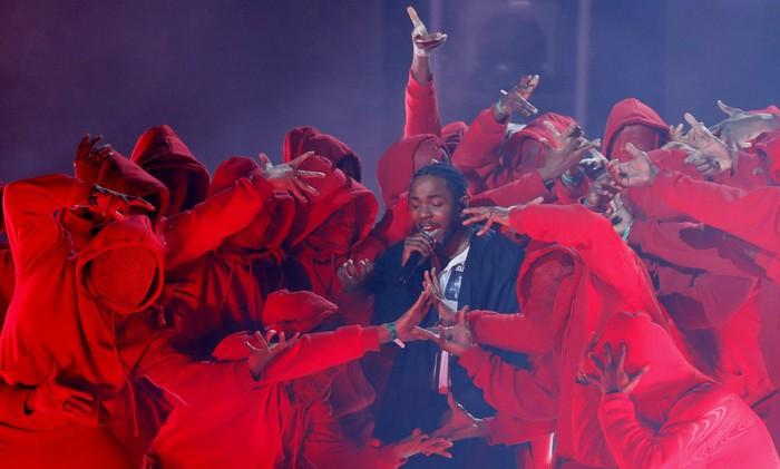 Penampilan Kendrick Lamar buka kemeriahan Grammy Awards 2018. Foto: REUTERS/Lucas Jackson