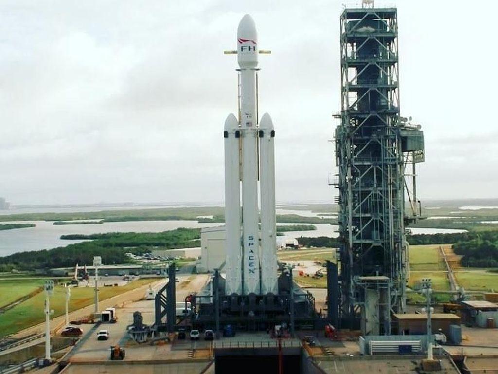 SpaceX Siap Luncurkan Roket Teranyarnya