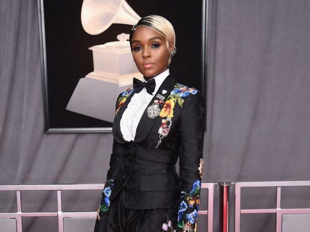 Simbol Celana Bentuk Miss V di Klip Janelle Monae, Apa Maksudnya?