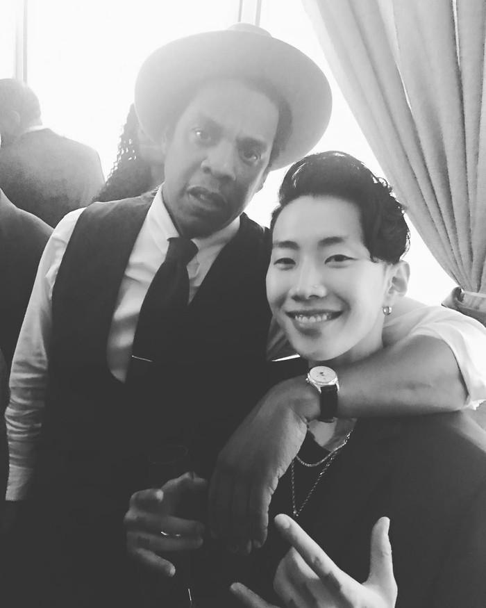 Jay Park bergaya dengan CEO Roc Nation, Jay Z. (Dok. Instagram/jayparkitrightheree)