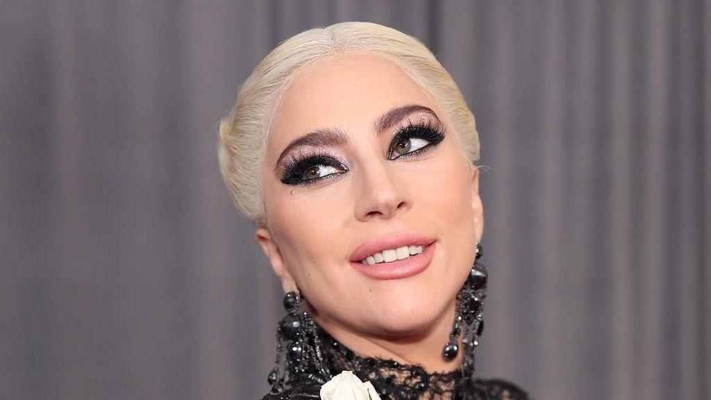 Foto: Uniknya Rambut Korset Lady Gaga di Grammy Awards 2018