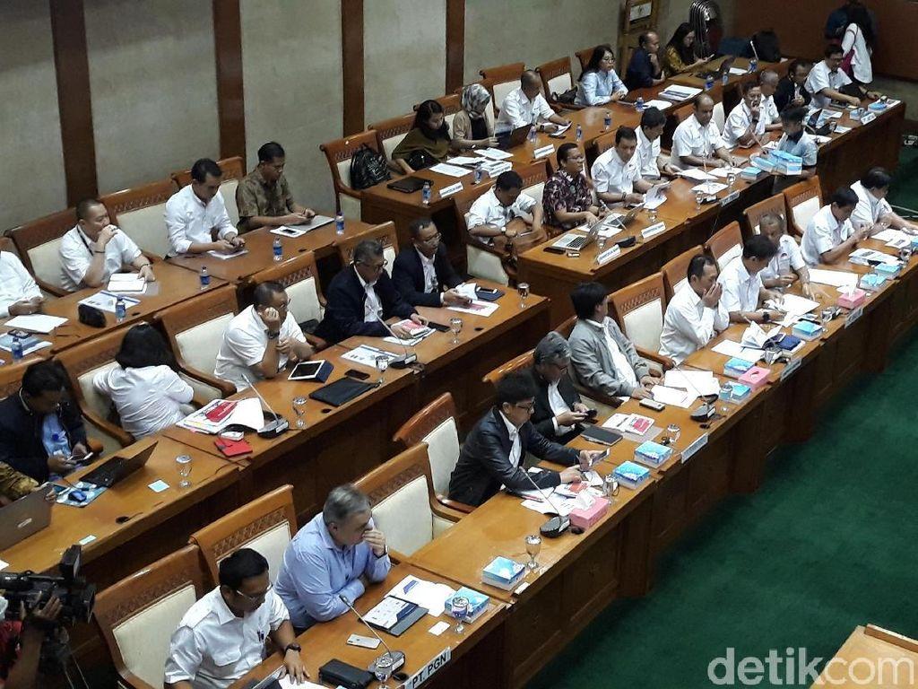 Baru Mulai 15 Menit, Rapat DPR dengan BUMN Tambang dan Migas Diskors