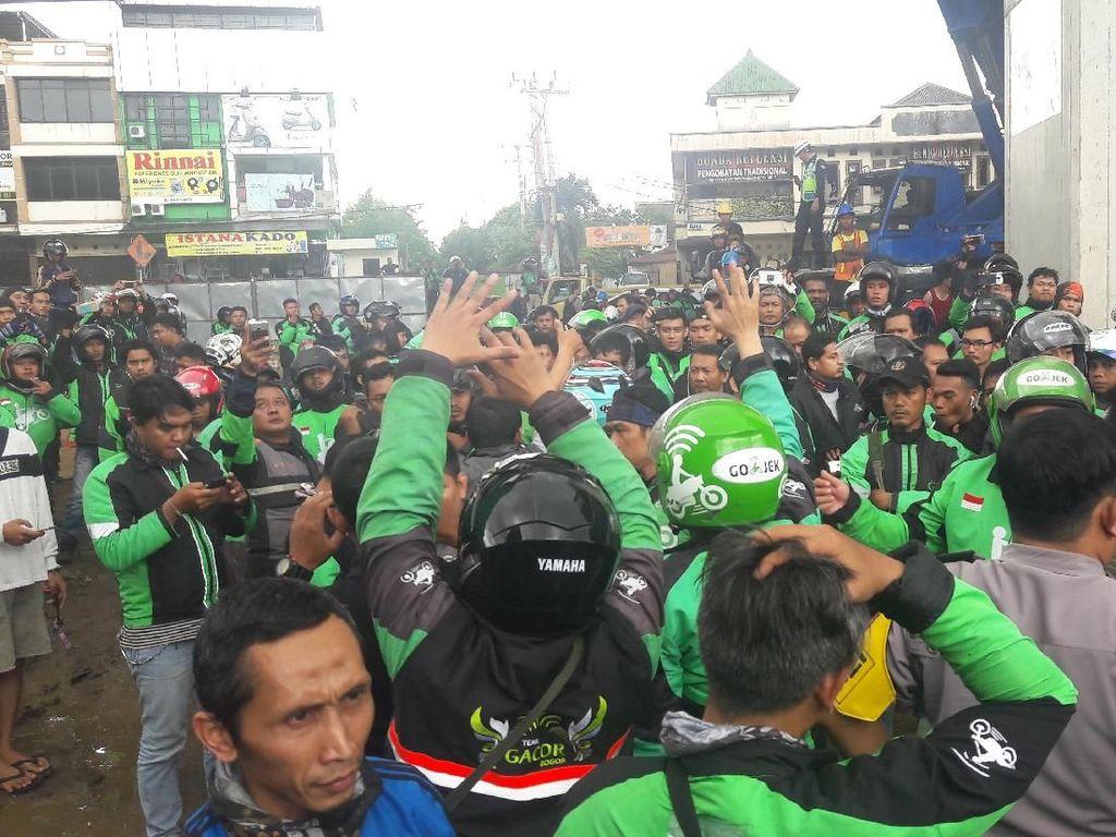 Dilarang Kirim Order Makanan, Ojol Vs Opang Nyaris Bentrok di Bogor