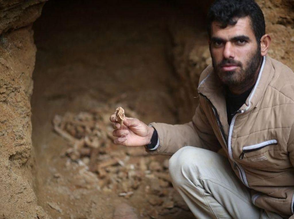 Warga Gaza Temukan Makam Kuno di Kebun Rumahnya