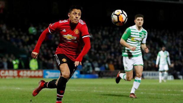 Alexis Sanchez tak perlu menjalani hukuman penjara dan tetap bisa memperkuat Manchester United.