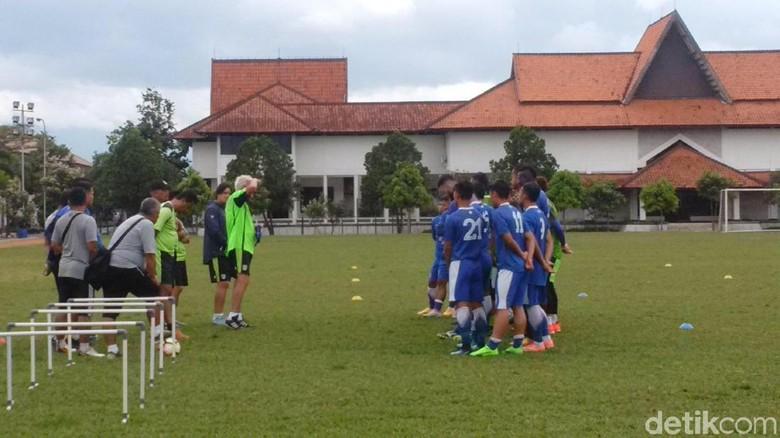 Akhir Pekan Ini Persib Menjamu Arema FC di Laga Uji Coba